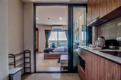 11000 Monthly: Studio Condo Cool North Side, Ocean View Near the Beach