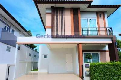 3 bed 3 bath house for rent in east Pattaya