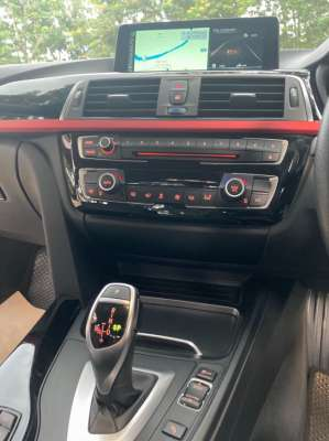 Mint BMW 320 i sport for sale by owner