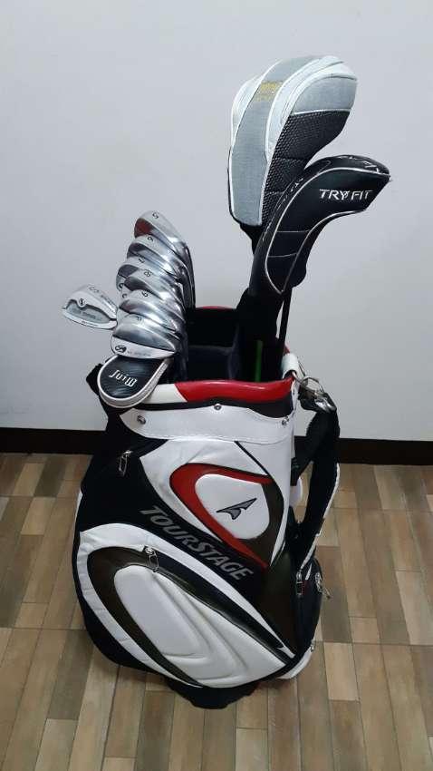 Complete golf club set