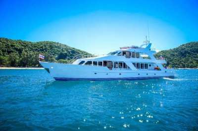 90ft Steel Boat (60 PAX Capacity) Perfect for charter business