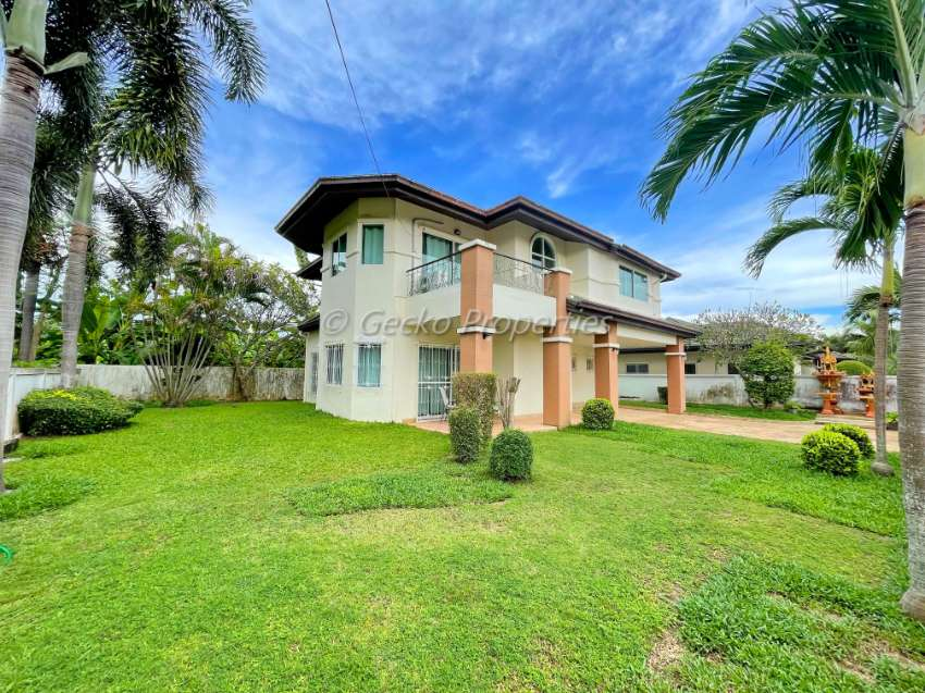 3 bed 4 bath House for rent in East Pattaya