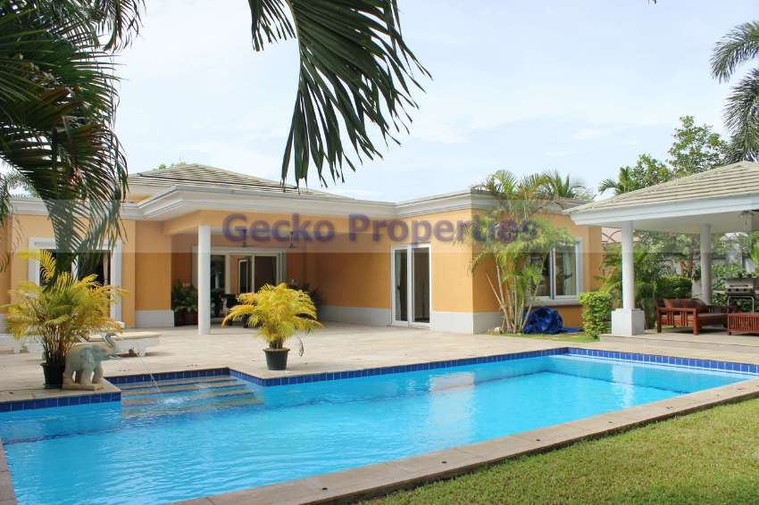 3 bed 3 bath Pool Villa House for rent in East Pattaya