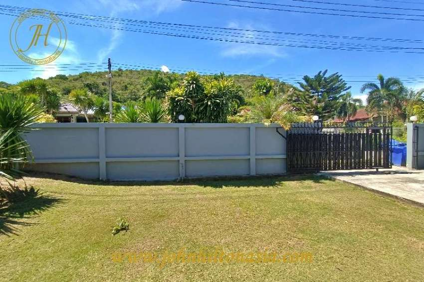 A 2 bedroom, re-furbished house in Thap Tai, Hua Hin area