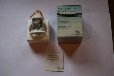 Hutschenreuther Porcelain Christmas Bell 1991 -  North Pole