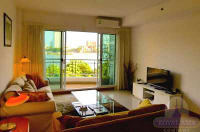 Exquisite Riverfront 2-Bedroom Unit with Panoramic River View