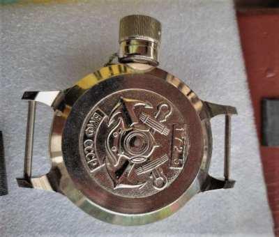 Very rare and genuine vintage helmet divers watch