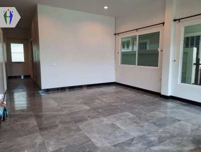 Single House 45sq.wha. Empty for Rent 9,000 baht