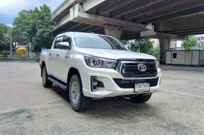 Toyota Hilux Revo 2.4 E Pre-Runner MT  2018