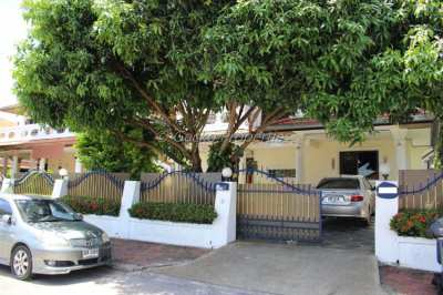 4 bed 3 bath Large terrace House for rent in East Pattaya