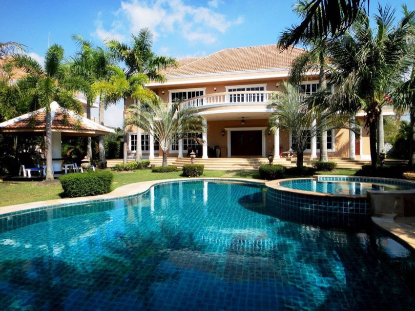 Stunning 4 Bed Pool Villa For Sale