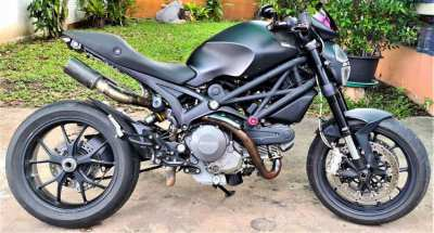 Ducati Monster 796 S2R customized