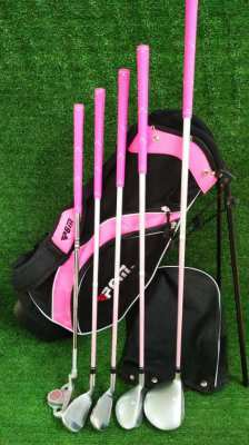 Girls PGM Axial golf club set in stand bag