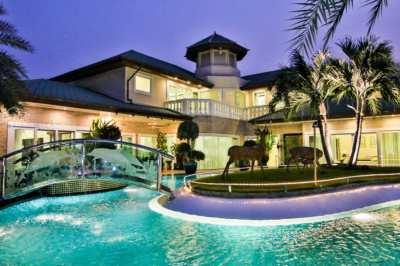 Unique Pool-Villa with Private Mooring Dock – Jomtien BEACH
