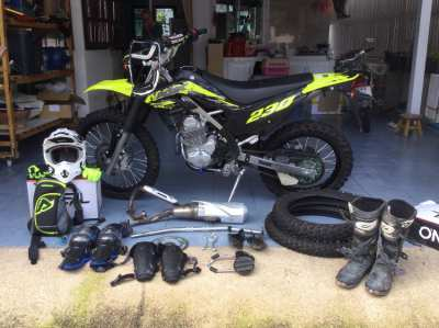 Kawasaki KLX 230 2021 with extras - 4 months old