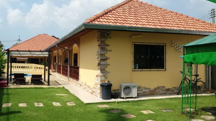 Large 6 Bedroom Pool Villa For Sale, On 225 Twah